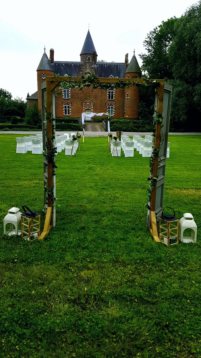 cérémonie laïque-château-arche bois- arche porte-lanterne-entr-e2