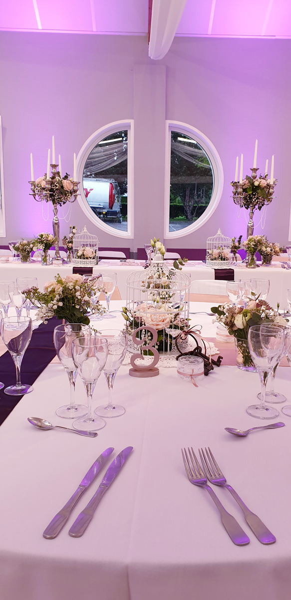 centre-de-table-chandelier-noeuds-satin-rose-aubergine-tenture-centre-de-table-cage-perle-entr-e2