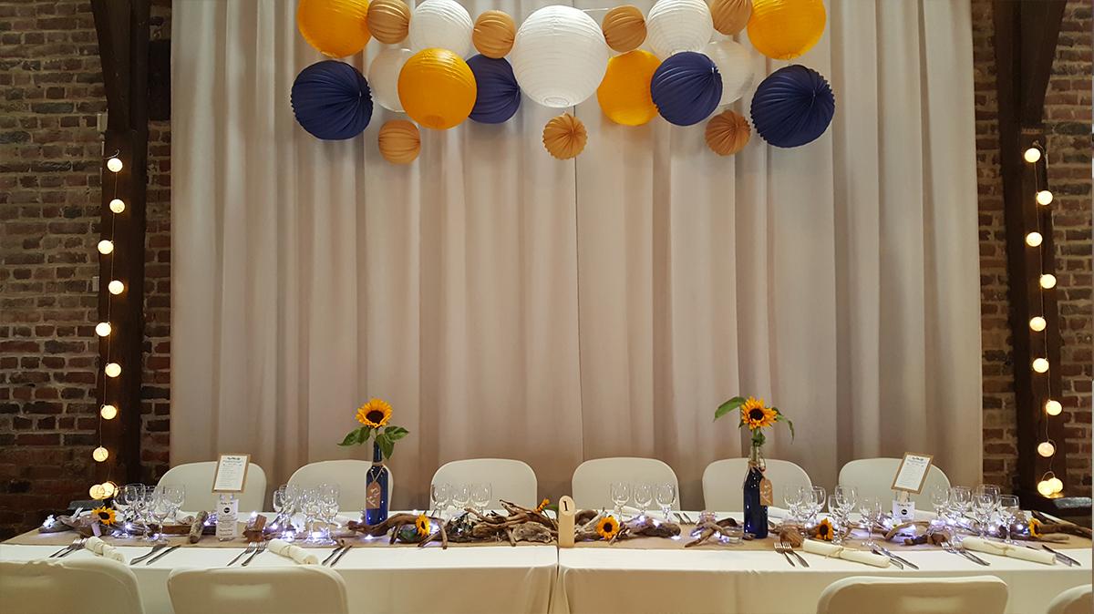 décoration mariage champêtre-housse de chaise-boule chinoise-entr-e2