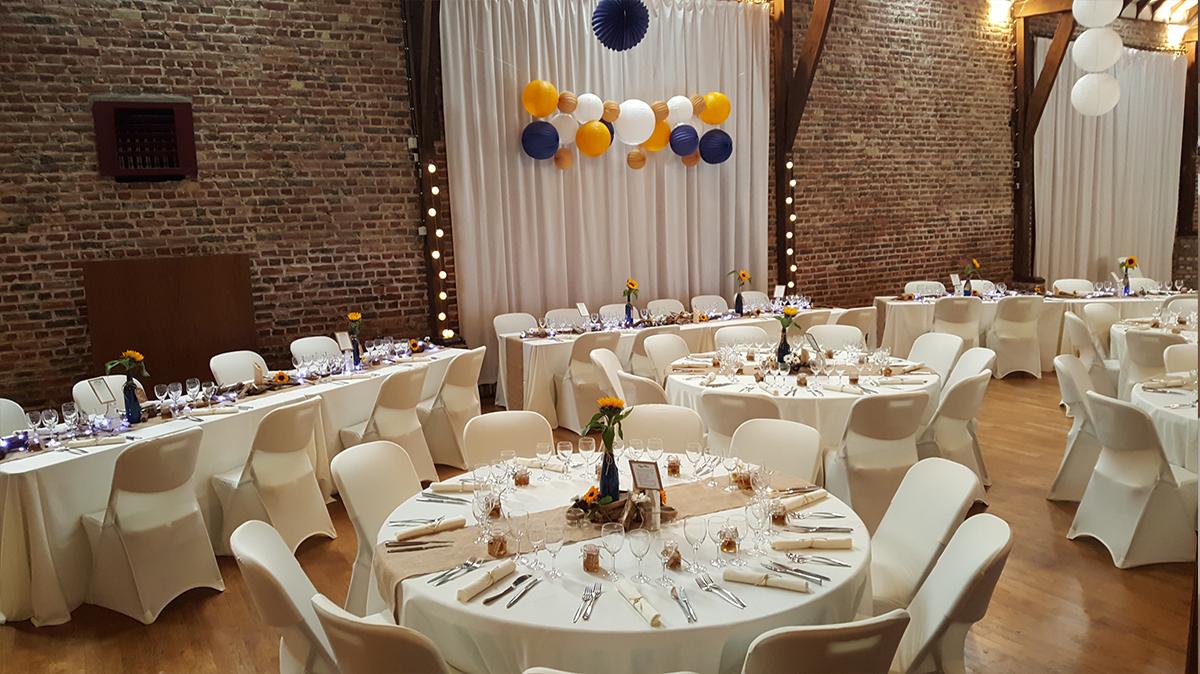 décoration mariage champêtre-rideau lycra-jute-entr-e2