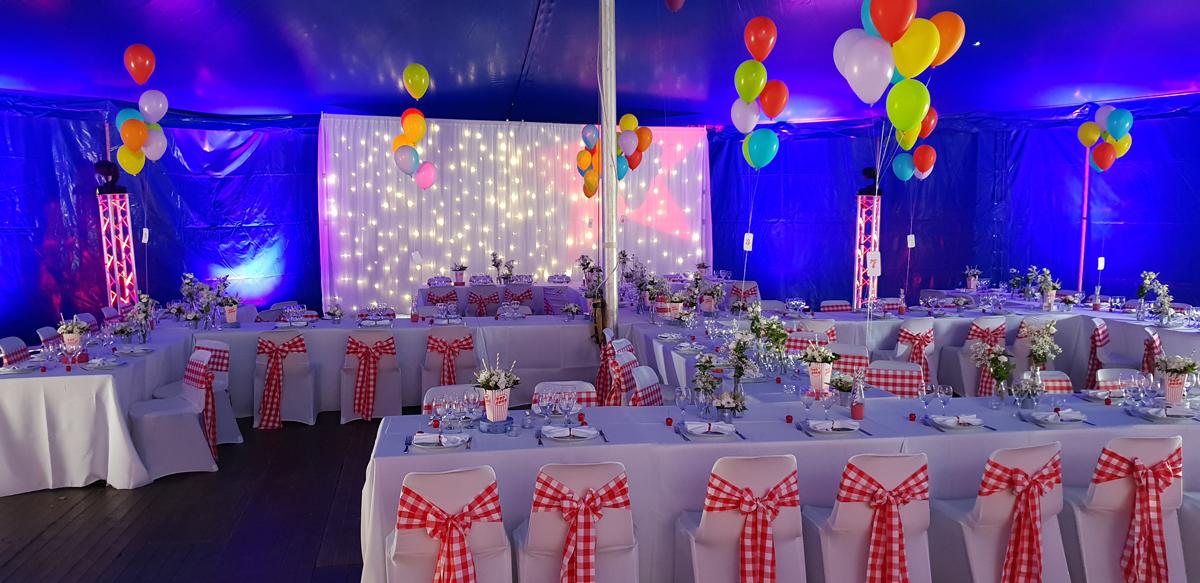 décoration-mariage-rétro-foire--ballon--noeud-de-chaise-vichy