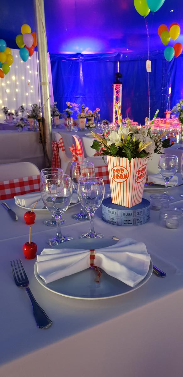 décoration-mariage-rétro-foire-rouleau-de-ticket-pot-à-pop-corn--pomme-d'amour