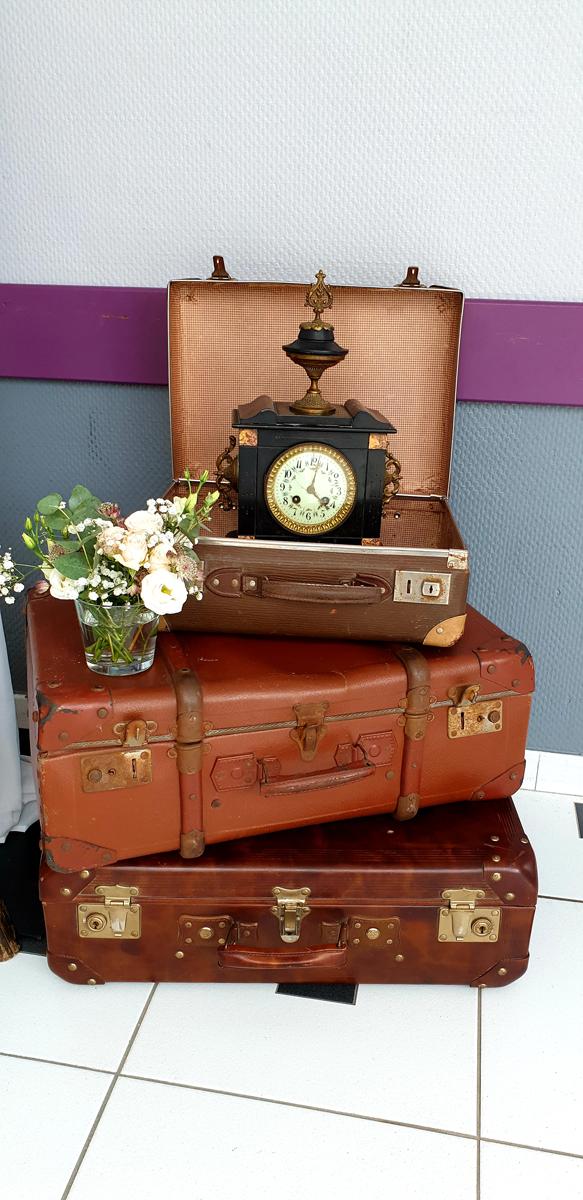 décoration-mariage-valise--vieille-horloge-entr-e2